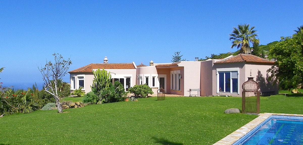 luxusvilla teneriffa mit pool und garage in la mazanza zu verkaufen. Black Bedroom Furniture Sets. Home Design Ideas